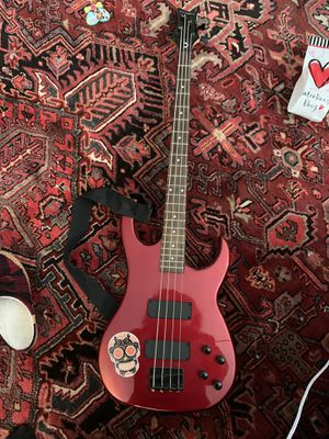 Dean Bass Guitar for Sale in Woodbridge, VA