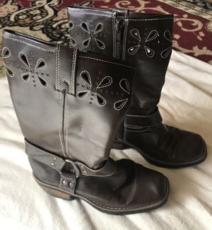 Girls brown boots size 2 for Sale in Stroudsburg, PA