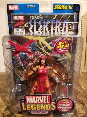 2003 Marvel Legends ELEKTRA Series 4 Action Figure Toy Biz / with comic book for Sale in Florissant, MO