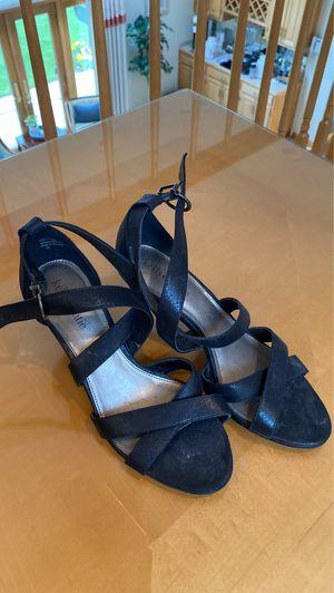 Black heel shoe for Sale in Bloomingdale, IL