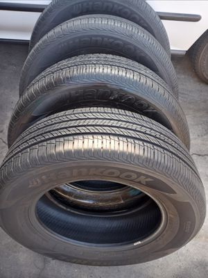 """I sell this set of tires Hankook 235 65 17 """"80% for Sale in El Monte, CA"""