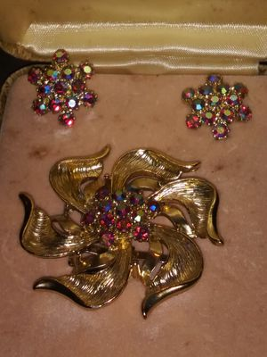 Antique Camelot pin and errings for Sale in Tampa, FL