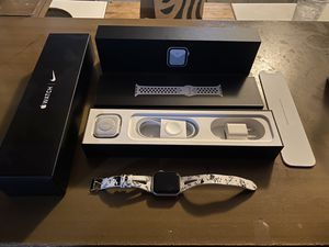 Apple Watch Nike series 5 cellular and gps for Sale in Scottsdale, AZ