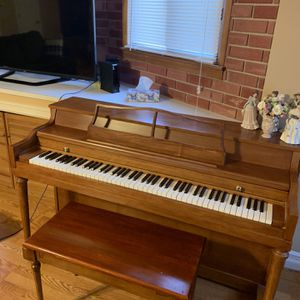 Free Piano for Sale in Sanborn, NY