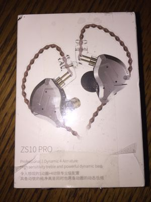 ZS10 Pro high sensitivity earbuds for Sale in Columbia, PA