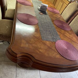Dining table 6 chairs for Sale in Albuquerque, NM