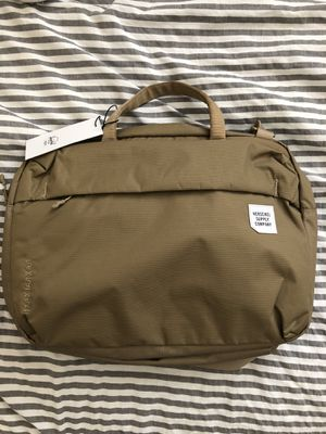 Herschel Britannia Messenger Bag for Sale in Glendale, CA