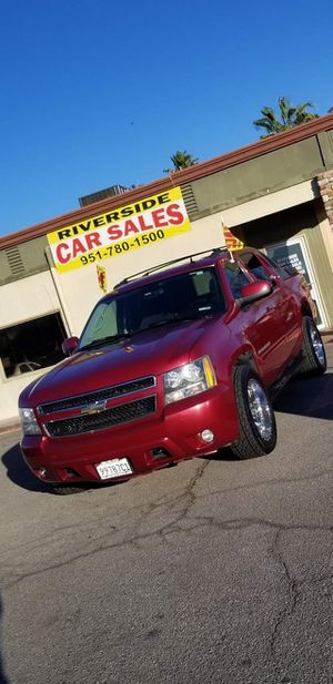 2007 CHEVY AVALANCHE 4X4 for Sale in Riverside, CA