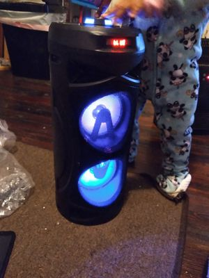 Bluetooth Mini Tower Speaker with MICROPHONE for Sale in Baltimore, MD
