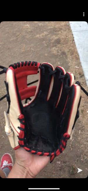 Rawlings pro preferred infield glove for Sale in Los Angeles, CA