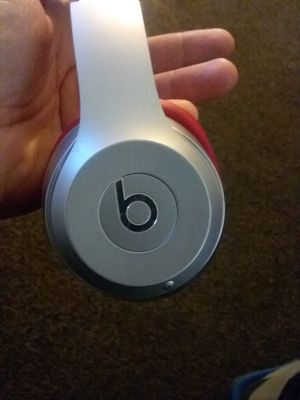 Beats solo 3 headphones for Sale in Etiwanda, CA