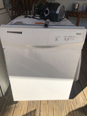Dishwasher good condition whirlpool for Sale in Miami, FL