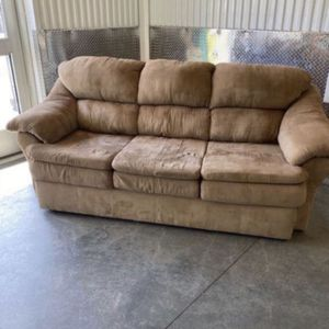 Brown Plush Sofa Couch Sillón - Doraville for Sale in Doraville, GA