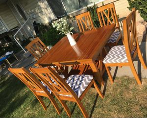 Solid Wood Mission Style Kitchen Table & 6 chairs! Can Deliver! for Sale in Salt Lake City, UT