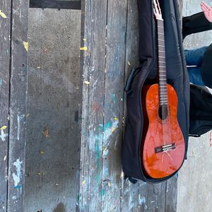 Stagg C547 Classical Guitar With Case for Sale in Sylmar, CA