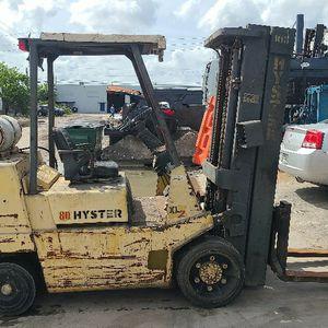 Hyster Forklift Montacargas for Sale in Opa-locka, FL