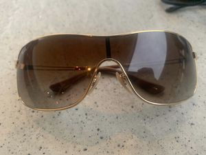 Ray Ban Sunglasses Gold frames New for Sale in Anaheim, CA