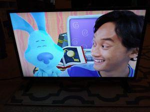 "Element 32"" Smart TV for Sale in Bakersfield, CA"