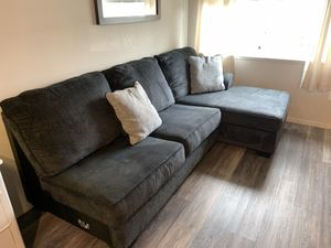 Sectional couch for Sale in Clovis, CA