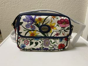 Gucci Flora Crossover Bag for Sale in Stockton, CA