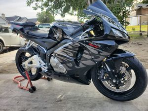 2005 cbr 600 rr Clean Title Low Miles PRICE IS FIRM for Sale in Bloomington, CA