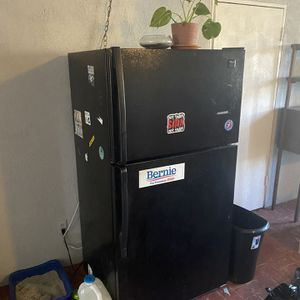 black refrigerator for Sale in Upland, CA