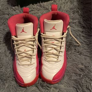 Air Jordan 12 Retro GG , Size 5.5Y, Pink And White for Sale in Hartford, CT
