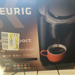 Keurig Compact for Sale in Simi Valley, CA