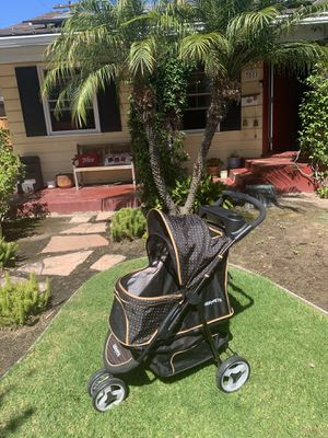 Dog stroller holds up to 50 pounds for Sale in Los Angeles, CA