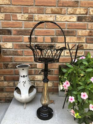 Planter/plant stand for Sale in Lenoir City, TN