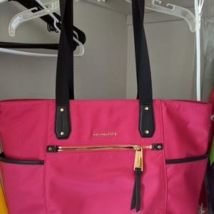 Michael Kors Tote for Sale in Kent, WA