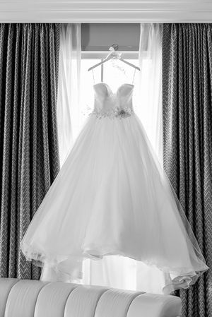Ball gown tulle wedding dress size 10 for Sale in New York, NY