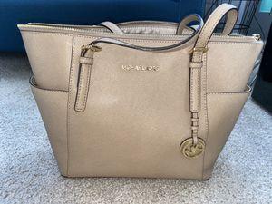 Michel kors handbag for Sale in Montgomery, IL