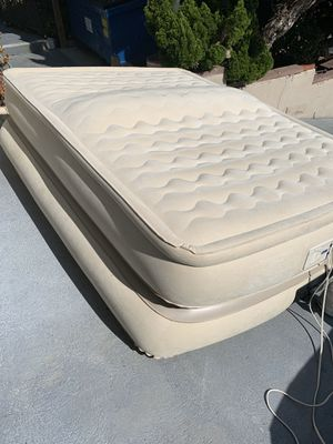 Queen Size triple Decker Air Mattress. Programmable to inflate auto to desire firmness for Sale in Redondo Beach, CA