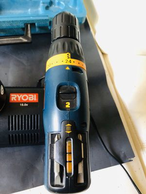 Drill RYOBI CHARGE WHIT BRAND NEW BATTERY 🔋 for Sale in Tampa, FL