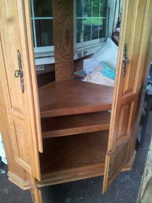 Wood TV Armoire / Stand. for Sale in McKees Rocks, PA