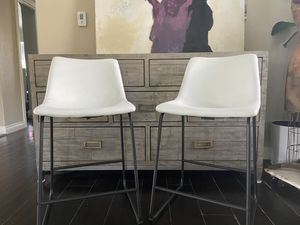 STOOLS/COUNTER STOOLS- faux leather WHITE for Sale in Los Angeles, CA