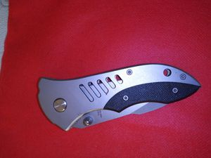 Cuchillo plegable fuerte y resistente para pesca y defensa o cazar for Sale in Miami, FL