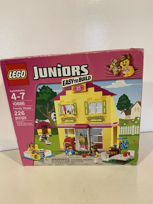 Brand new LEGO Juniors 10686 Family House Building Kit for Sale in Everett, WA