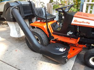 """Simplicity Turbo blower bagger 42"""" and 48"""" decks, excellent condition for Sale in East Brunswick, NJ"""