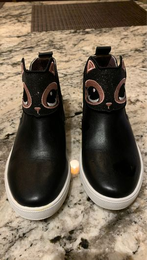 Cat boot/athletic shoes girls size 1 for Sale in Mesa, AZ