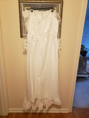 White off the shoulder lace dress for Sale in Naugatuck, CT