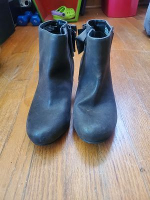 Size 4 girl boots Cherokee for Sale in Chesapeake, VA