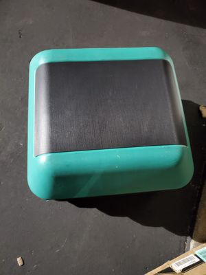"""aerobic high step green and black 16""""×16""""×12""""high brand new never used support up to 300 pounds for Sale in Westminster, CA"""