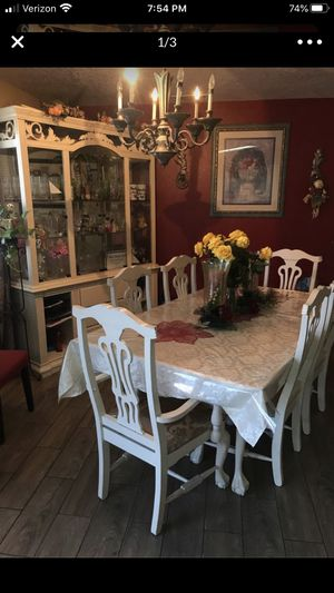 Dining table set with China good conditions for Sale in Apple Valley, CA