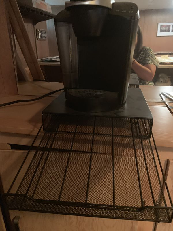 Keurig k40 with tray to hold kcups