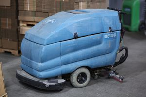 Tennant 5700 Industrial Floor Scrubber- Used for Sale in Renton, WA