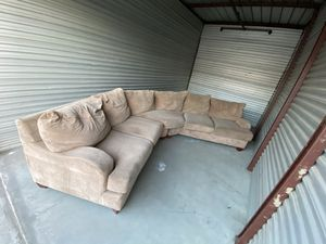 FREE SECTIONAL COUCH for Sale in Rancho Cucamonga, CA