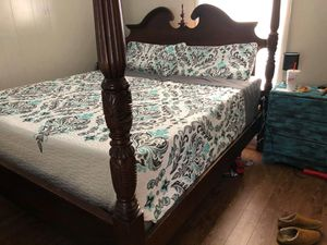 King size bed frame for Sale in Vidor, TX
