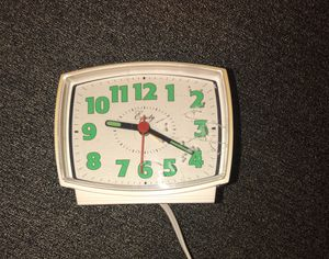 Vintage antique alarm clock, glows in the dark for Sale in Queens, NY